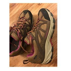 Ladies New Merrell Shoes